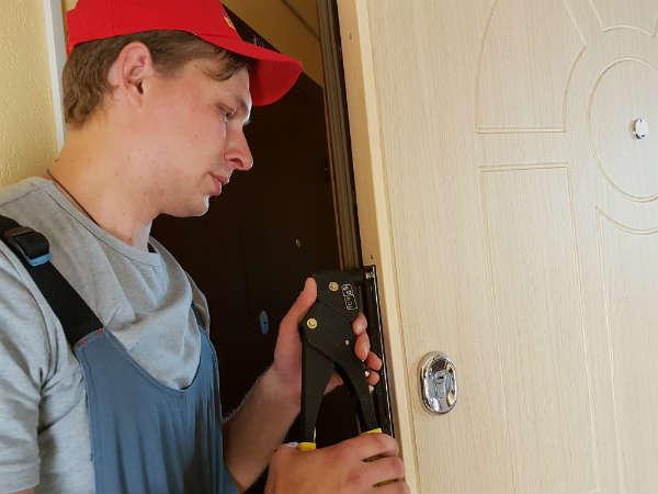 ремонт дверей в Мытищах